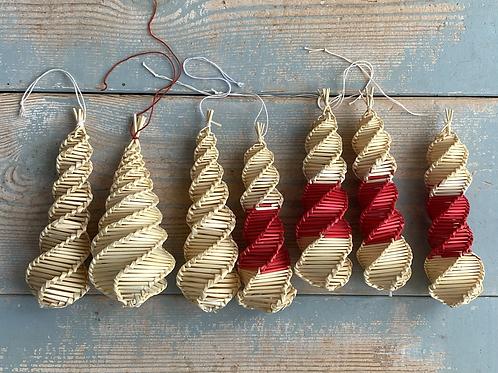 Straw twist decorations