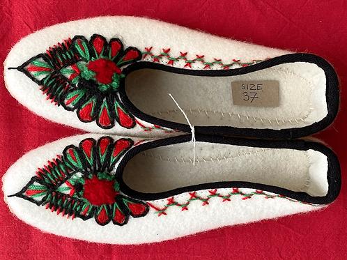 Lena cream wool slippers size 37