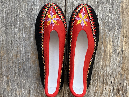 Danuta red/black slippers size 38