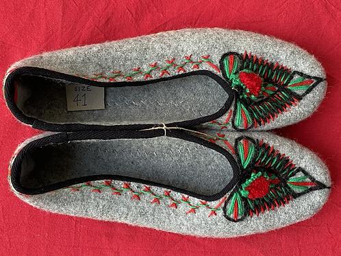 Lena grey wool slippers size 41