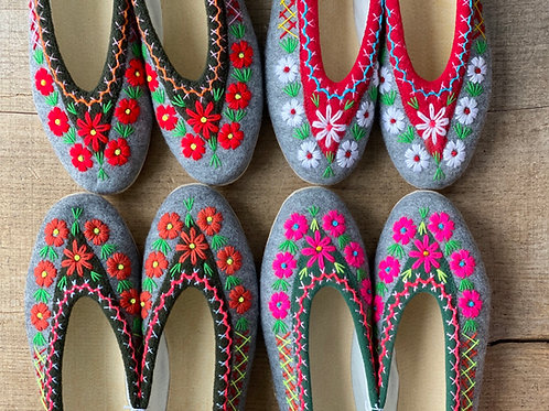 Ela embroidered slippers size 41