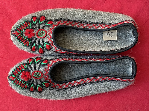 Lena grey wool slippers size 40