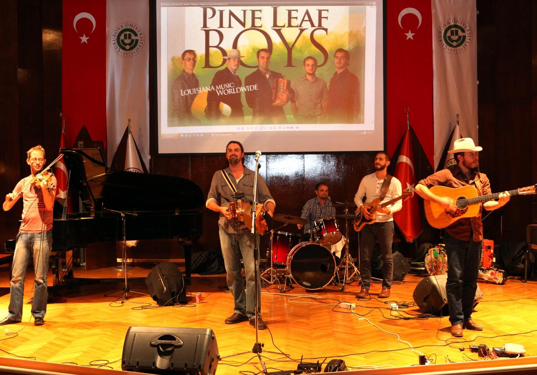 pineleaf1-1