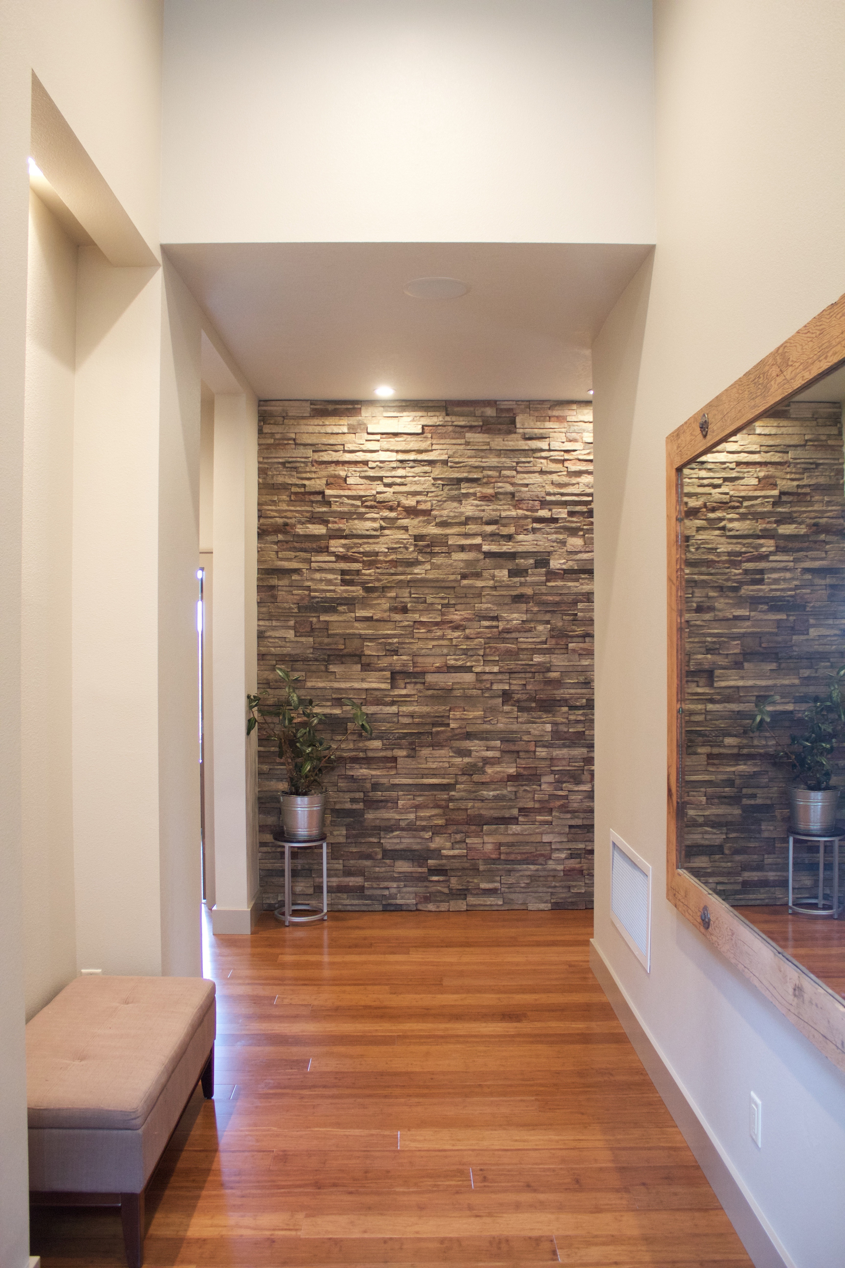 Mike Riddle Construction Stone Feature Wall In Entryway