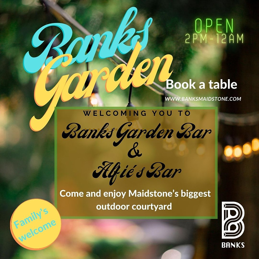 Banks Garden - Bank Holiday Sunday