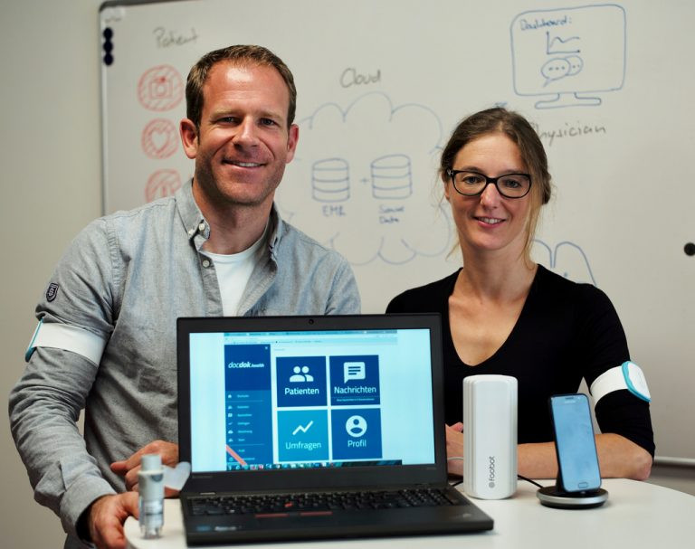 BM scientists Thomas Brunschwiler and Rahel Straessle are developing machine learning algorithms to interpret the IoT data.