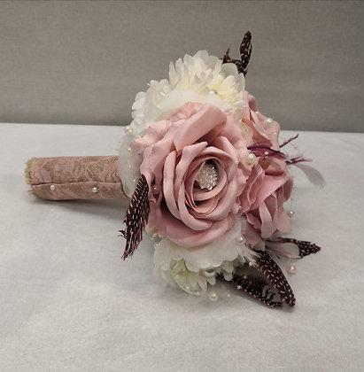 Hääkimppu Old rosa whith feather