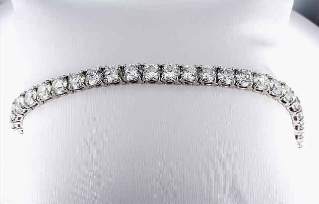 Platinum and diamond bracelet with 18 carat total weight diamonds (all G