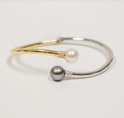 Two-Tone Pearl Bracelet