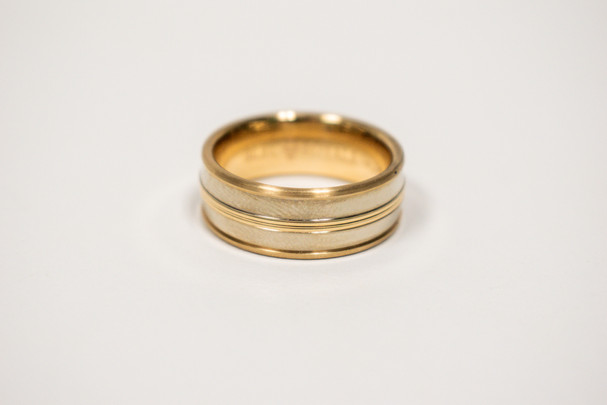 14k gold gents ring