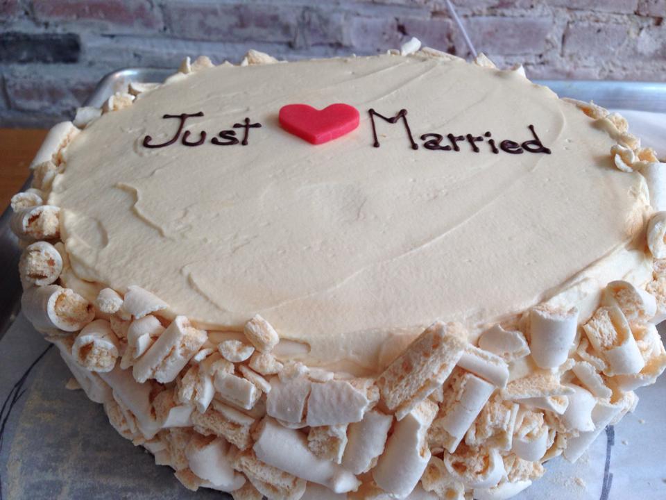 Caramel wedding cake - Gluten free