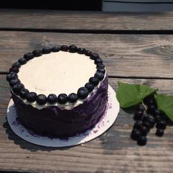Blueberry And Vanilla Capricieux #merveilleux #glutenfree #meringue #cake #birthdaycake #weddingcake