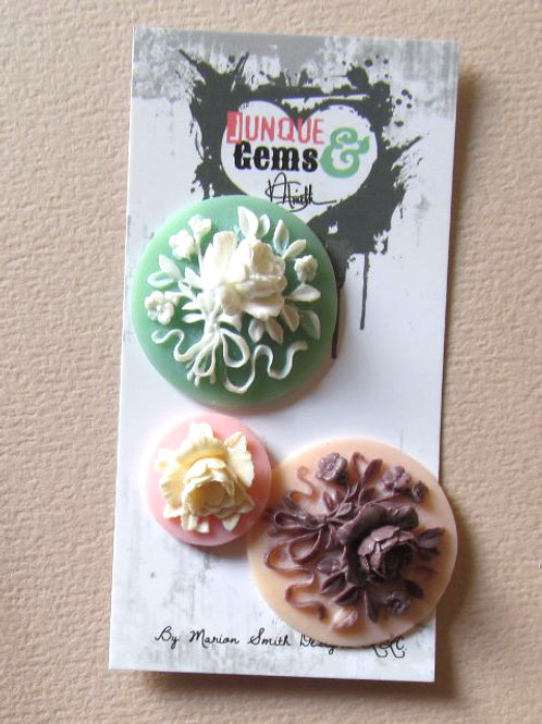 Junque & Gems Mixed Resin Flowers