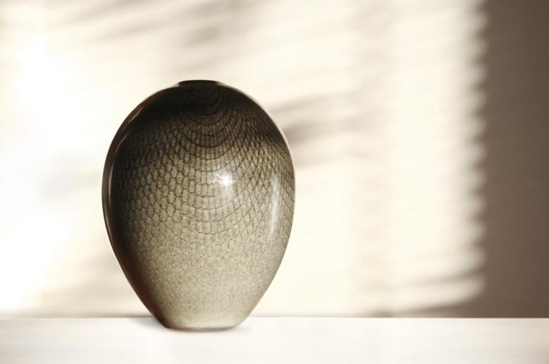 Greyskin Pot by Rachel Pritchard