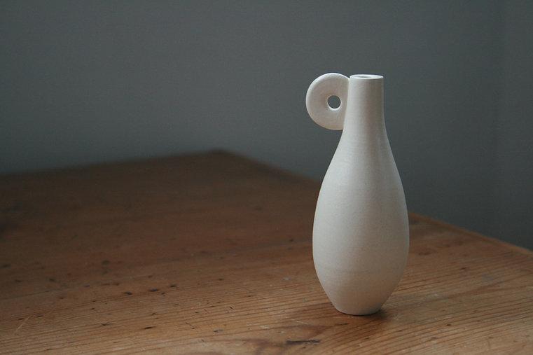 Whiteskin Pot by Rachel Pritchard