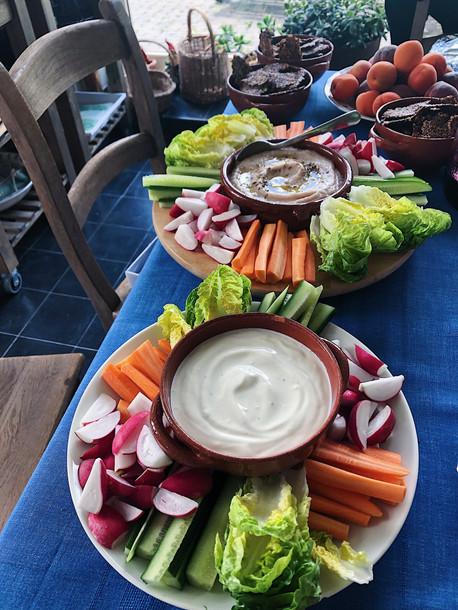 buffet, crudites, bean dipp, vegetables