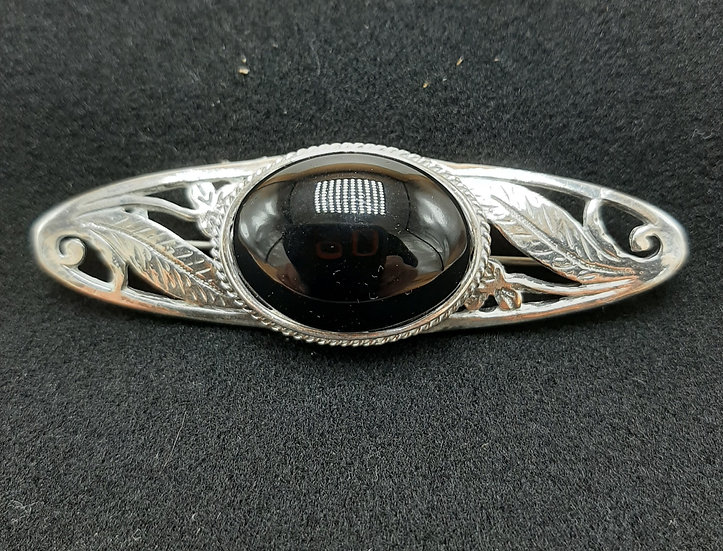 Leaf pin with obsidian center stone