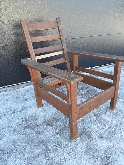 J.M. Young Morris Chair, Model 284