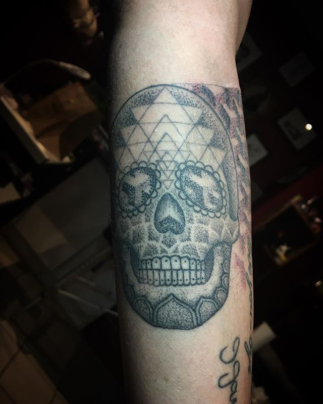 Thanks Teri, so much fun making this _#skulltattoo #dotworktattoo #mandala #sacredgeometrytattoo #sa