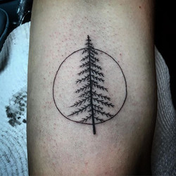 #treetattoos #treetattoo #neotattoomachines #woody #w #symboltattoo #irezumiink #elsternwicktattoo #