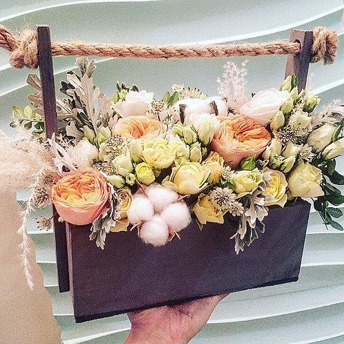 деревянный бокс с цветами