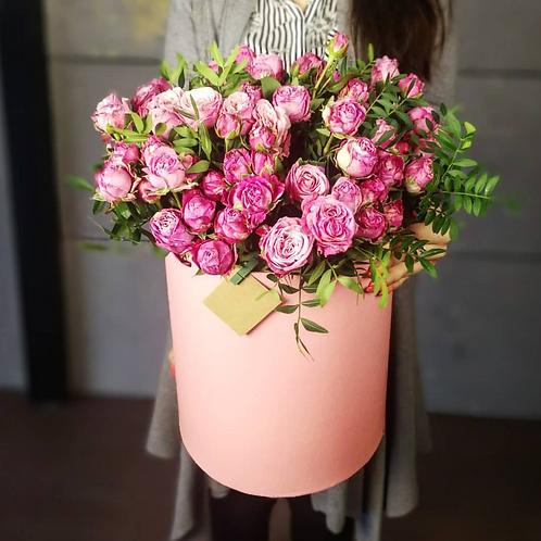 Коробочка с кустовой розой бомбамтик