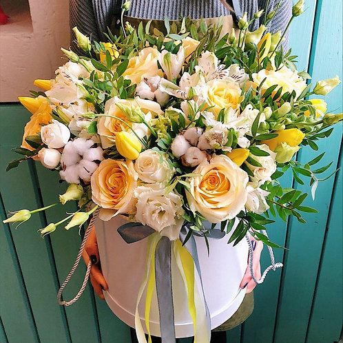 Цветы в шляпной коробке Елоусадмарин