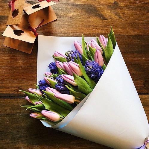 Тюльпаны и гиацинт