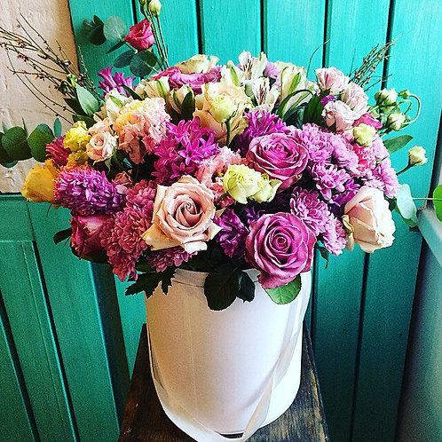 Цветы в шляпной коробке Моув