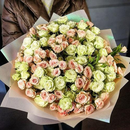 Моно букет из кустовых роз (19шт)