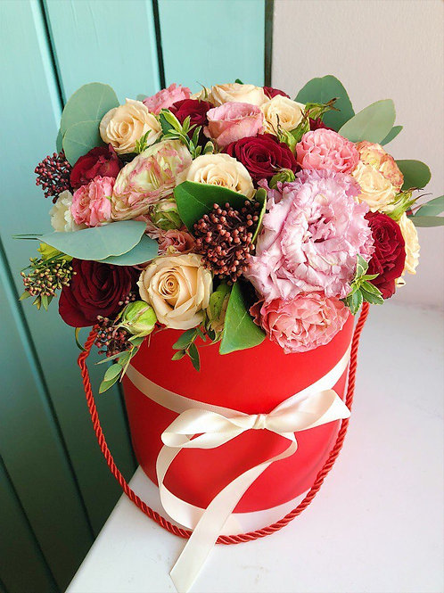 Цветы в шляпной коробке Редпиано