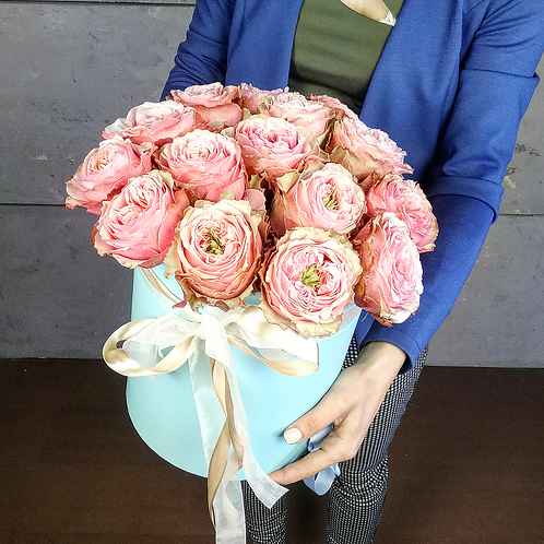 Цветы в шляпной коробке Белизе