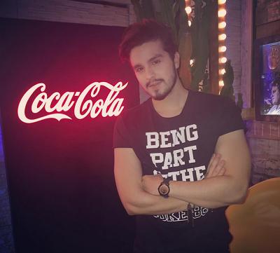 Luan Santana e Pabllo Vittar estralam nova campanha da Coca-Cola