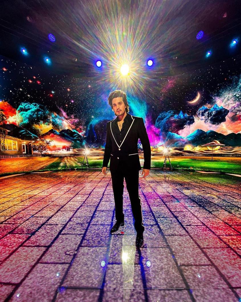 Live Love: Luan Santana grava clipe ao vivo e faz sucesso na web