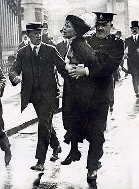 Emmeline_Pankhurst_Arrested_1907-1914.jp