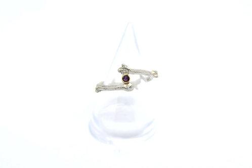 Twig Ring with gemstone
