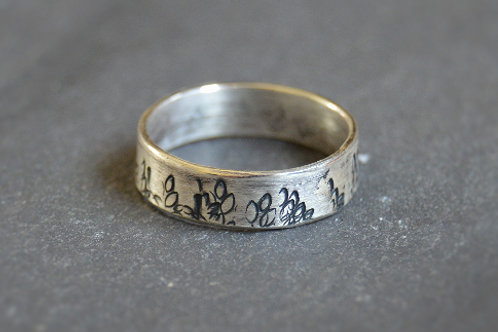 Autumn Ring Band (oxidised detail)