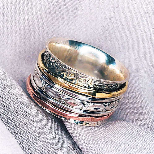 Engraved Spinner Ring