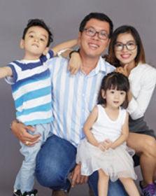 home_circle_family.jpg