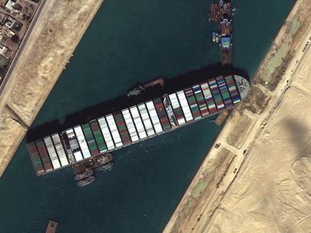 Süveyş Kanalını Tıkayan Gemi Kurtarıldı