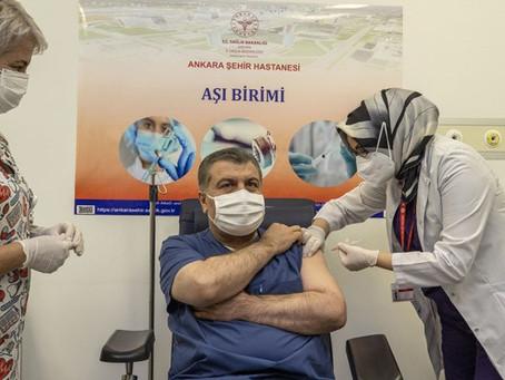 Sağlık Bakanı Koronavirüs Aşısı Yaptırdı