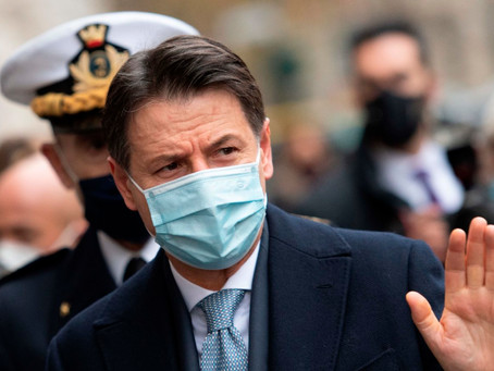İtalya'da Başbakan Giuseppe Conte ve Hükümeti İstifa Etti
