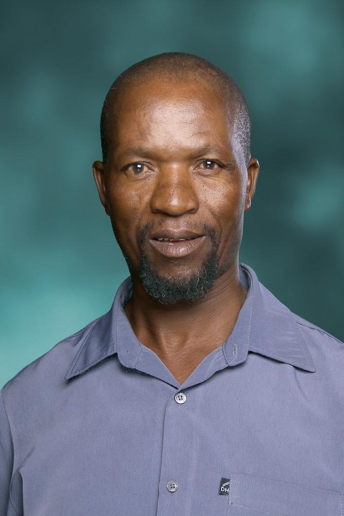 Mnr Moses Mthombeni