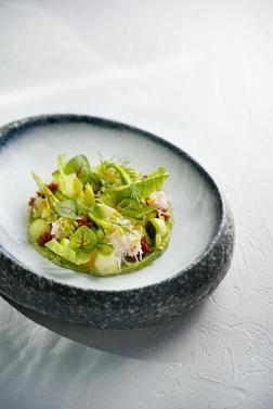 Пюре авокадо с камчатским крабом
