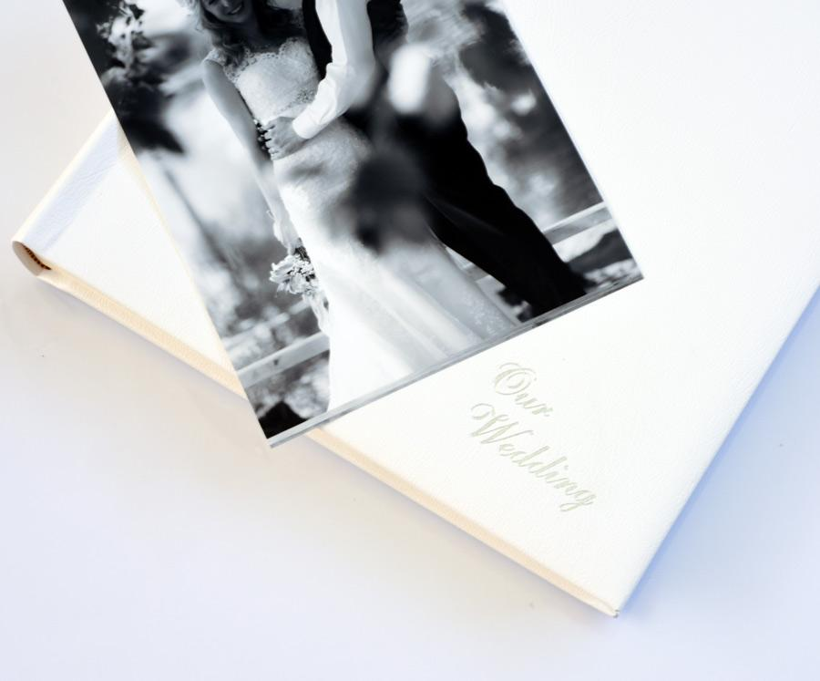 leather-wedding-album-1-900x747.jpg