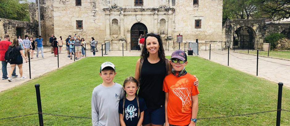 The Alamo & River Walk - San Antonio - Texas