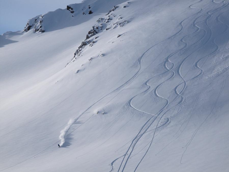 Fast and smooth ski turns