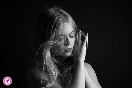 photographie portrait femme clair obscur
