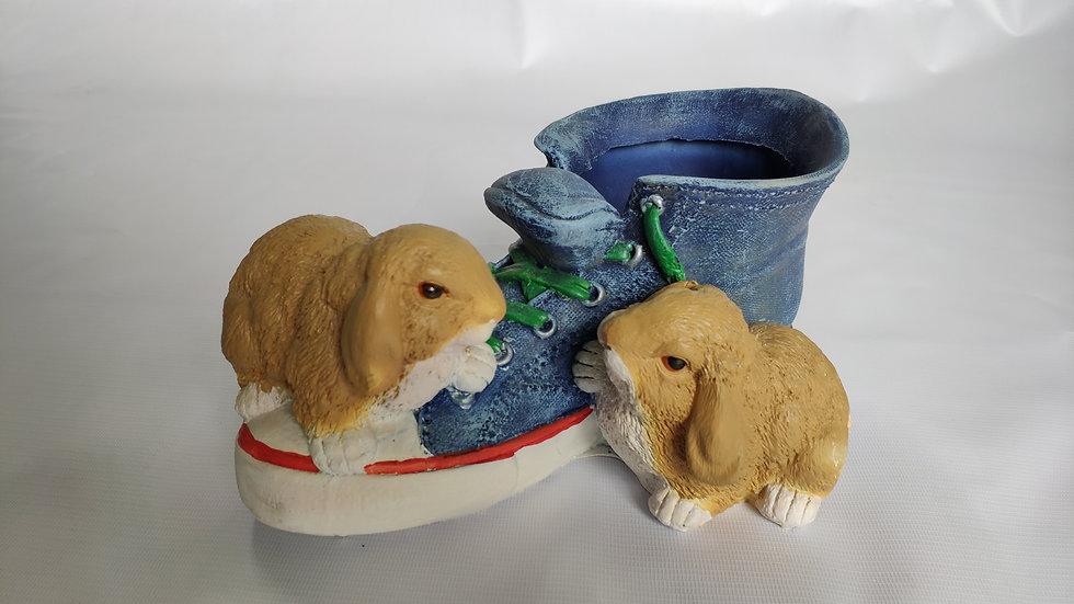 """Ваза """"Кед с зайцами"""""""