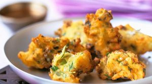 pakora seller surrenders 60 lakhs